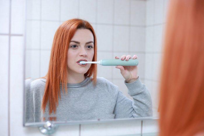 Periajul dentar și curățirea dinților. Prevenirea cariilor